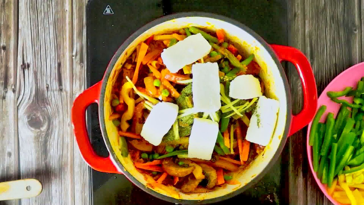 Image of the cooking step-1-12 for Vegetable Jalfrezi