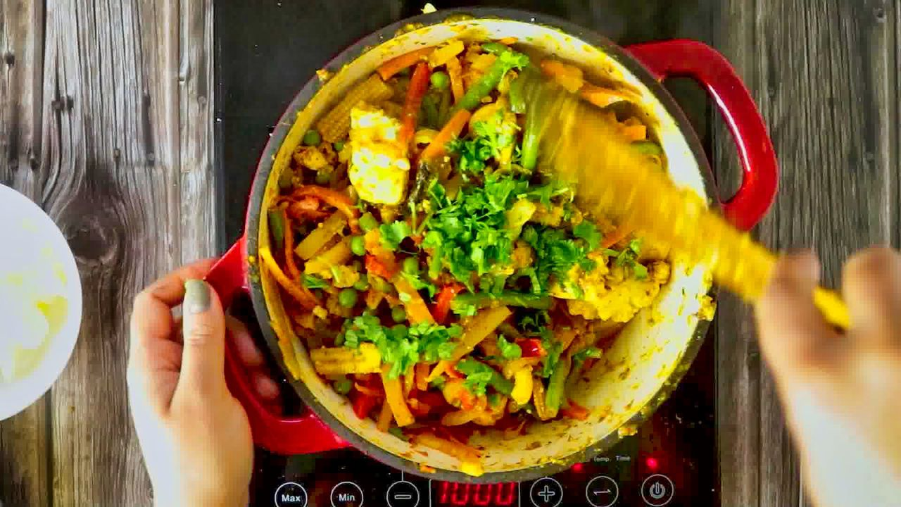 Image of the cooking step-1-15 for Vegetable Jalfrezi