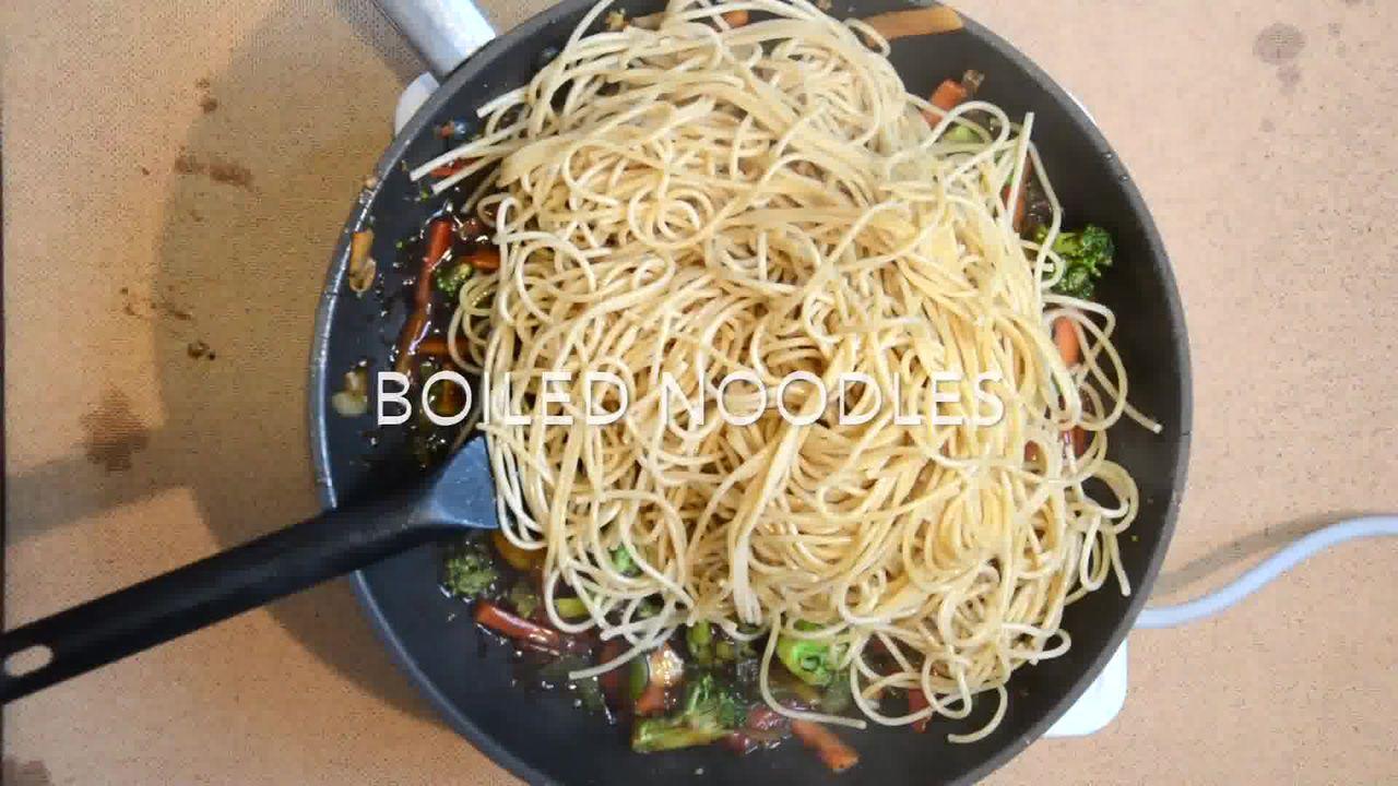 Image of the cooking step-1-6 for Vegetable Teriyaki Noodles - Teriyaki Stir Fry Noodles