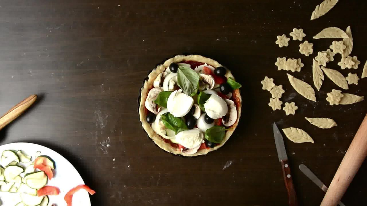 Image of the cooking step-1-11 for Veggie Pizza Pie (Video Recipe)