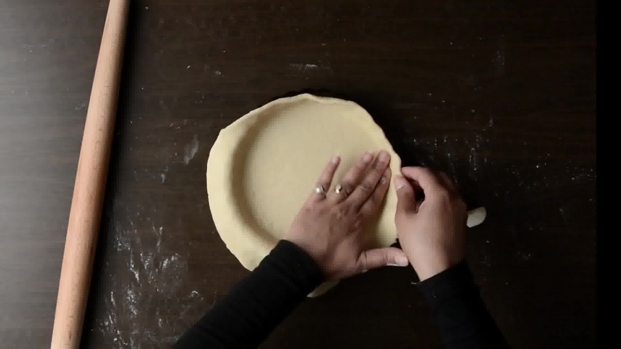 Image of the cooking step-1-3 for Veggie Pizza Pie (Video Recipe)