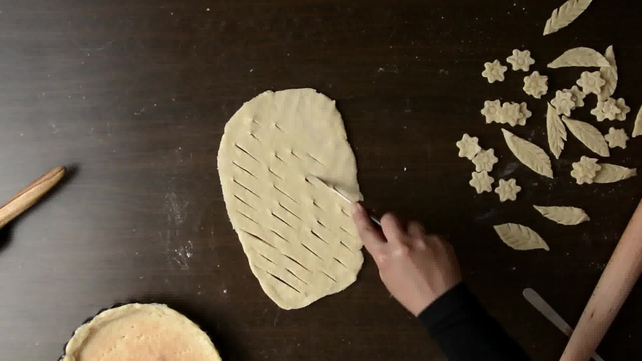 Image of the cooking step-1-8 for Veggie Pizza Pie (Video Recipe)
