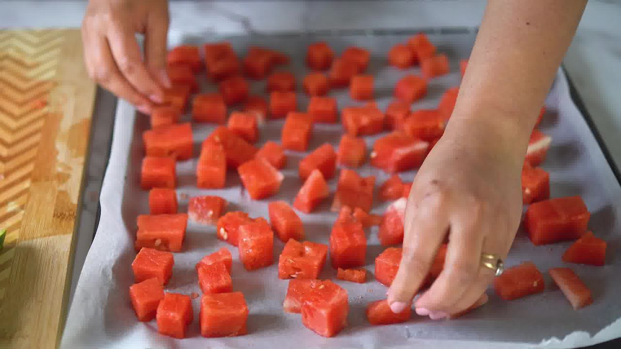 Image of the cooking step-1-2 for Watermelon Sorbet
