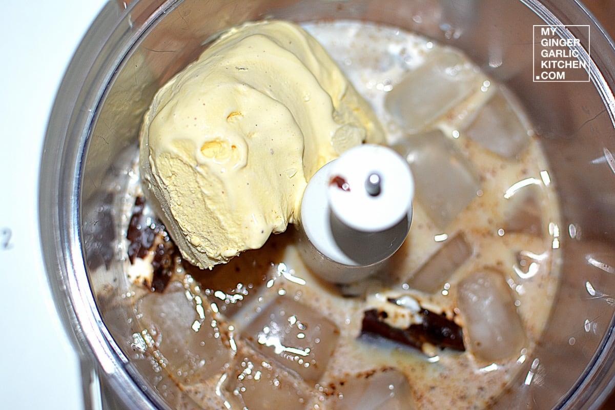 Image - recipe chocolate mocha vanilla frappuccino anupama paliwal my ginger garlic kitchen 1