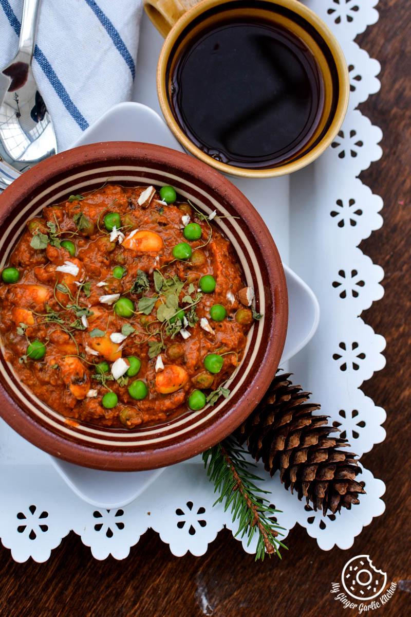 recipe-almond-peas-curry-anupama-paliwal-my-ginger-garlic-kitchen-2  https://www.mygingergarlickitchen.com/ @anupama_dreams