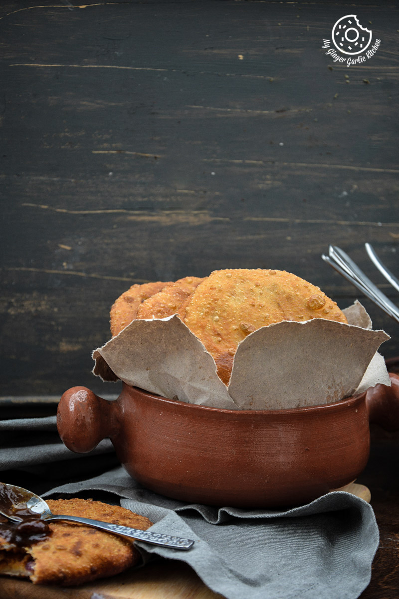 recipe-Jaipuri-pyaaz-ki-kachori-anupama-paliwal-my-ginger-garlic-kitchen-2