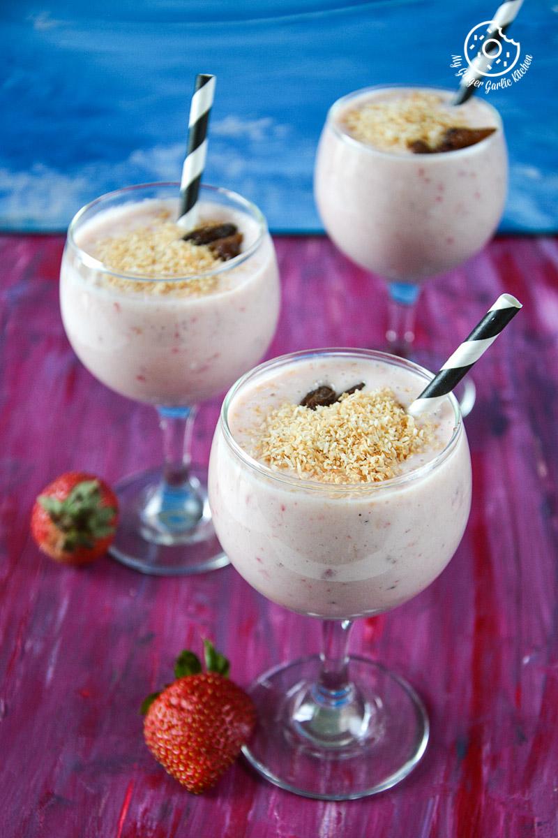 recipe-banana-strawberry-coconut-smoothie|mygingergarlickitchen.com/ @anupama_dreams
