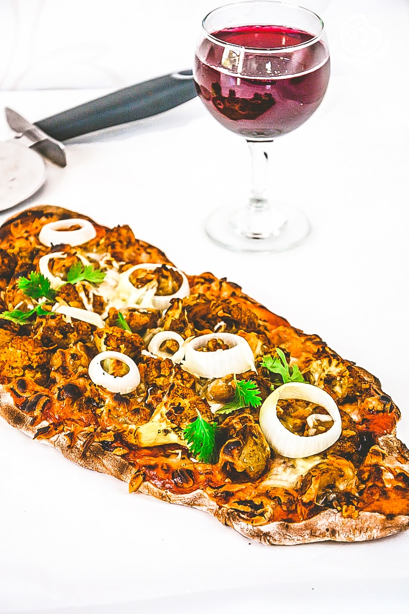 recipe-curried-cauliflower-topped-naan-pizza mygingergarlickitchen.com/ @anupama_dreams