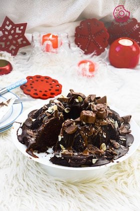 Image of Persimmon Chocolate Bundt Cake [With Video]