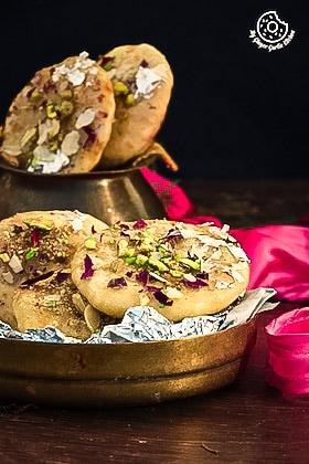 Image of Rajasthani Mawa Kachori Recipe