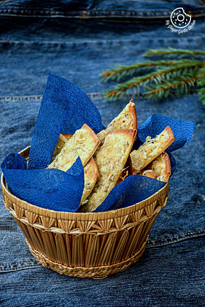 Cheesy Garlic Pizza Sticks With Figs Mayo Dip | mygingergarlickitchen.com/ @anupama_dreams