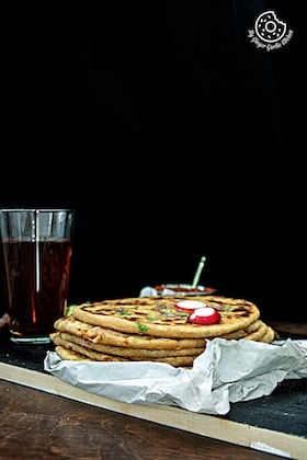 Image of Mooli Paratha With Strawberry Grapes Chutney | Video