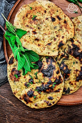 Image of Mint Coriander Tandoori Roti Recipe