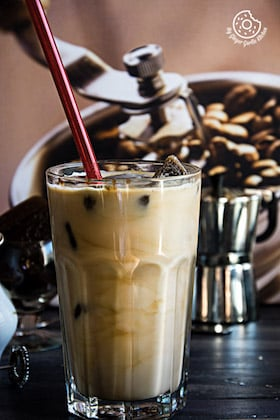 Image of Vanilla Iced Mocha With Coffee Ice Cubes (Video)