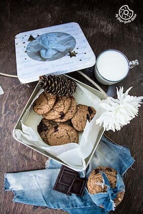 Image of Oatmeal Peanut Butter Chocolate Cookies | Video Recipe