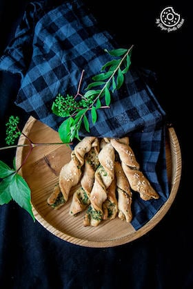 Image of Pizza Twists | Pizza Dough Twists With Parsley And Sesame Recipe Video