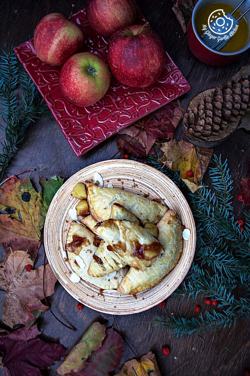 Apple Hand Pies | mygingergarlickitchen.com/ @anupama_dreams