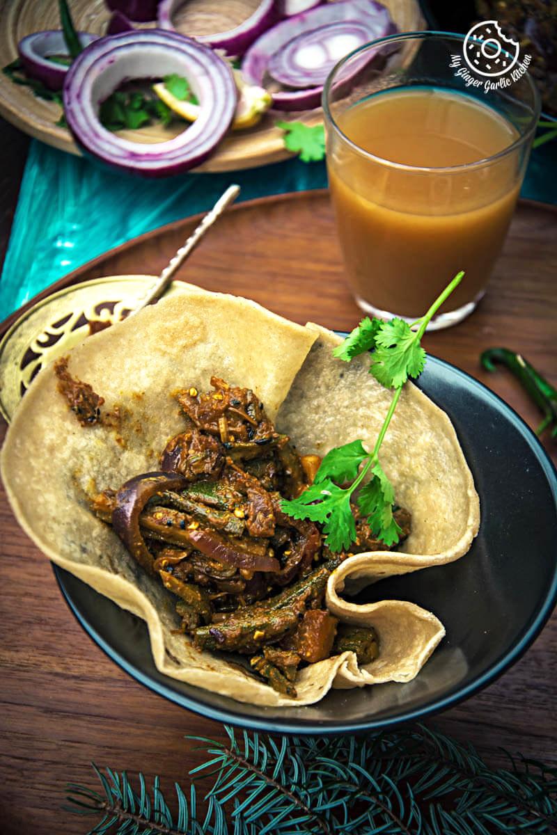 Achaari Dahi Bhindi With Duppad Roti // Pad Wali Roti | mygingergarlickitchen.com/ @anupama_dreams