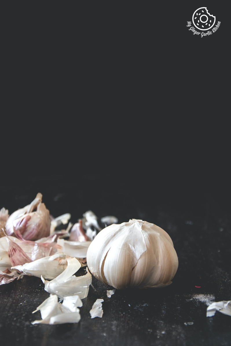 How To Peel Garlic Quickly In 4 Easy Ways