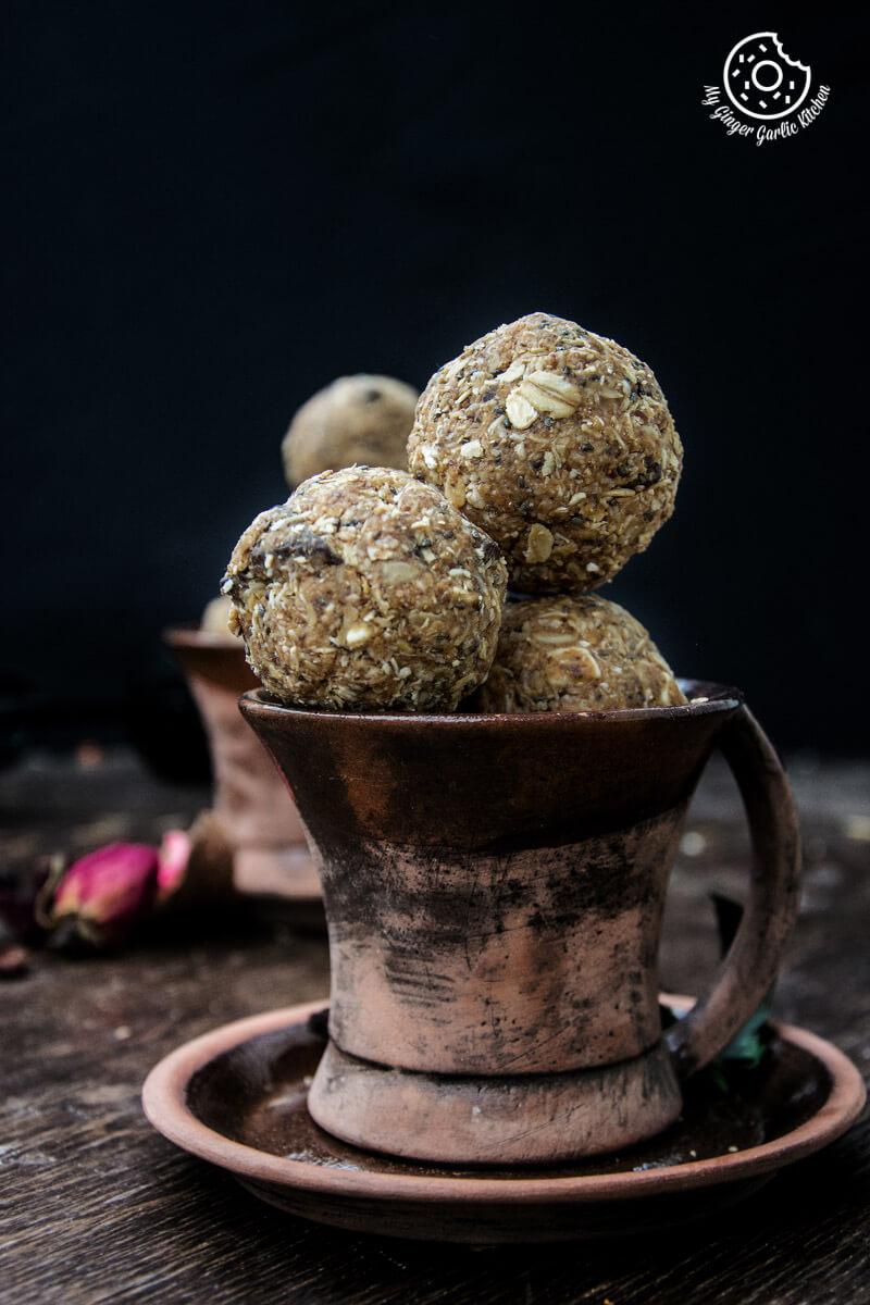 NO-Bake-Oats And Chia Energy Balls | mygingergarlickitchen.com/ @anupama_dreams