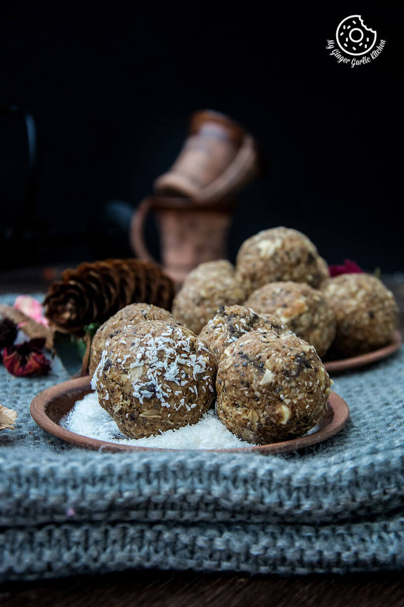 NO-Bake-Oats And Chia Energy Balls | mygingergarlickitchen.com/ @anupama_dreams