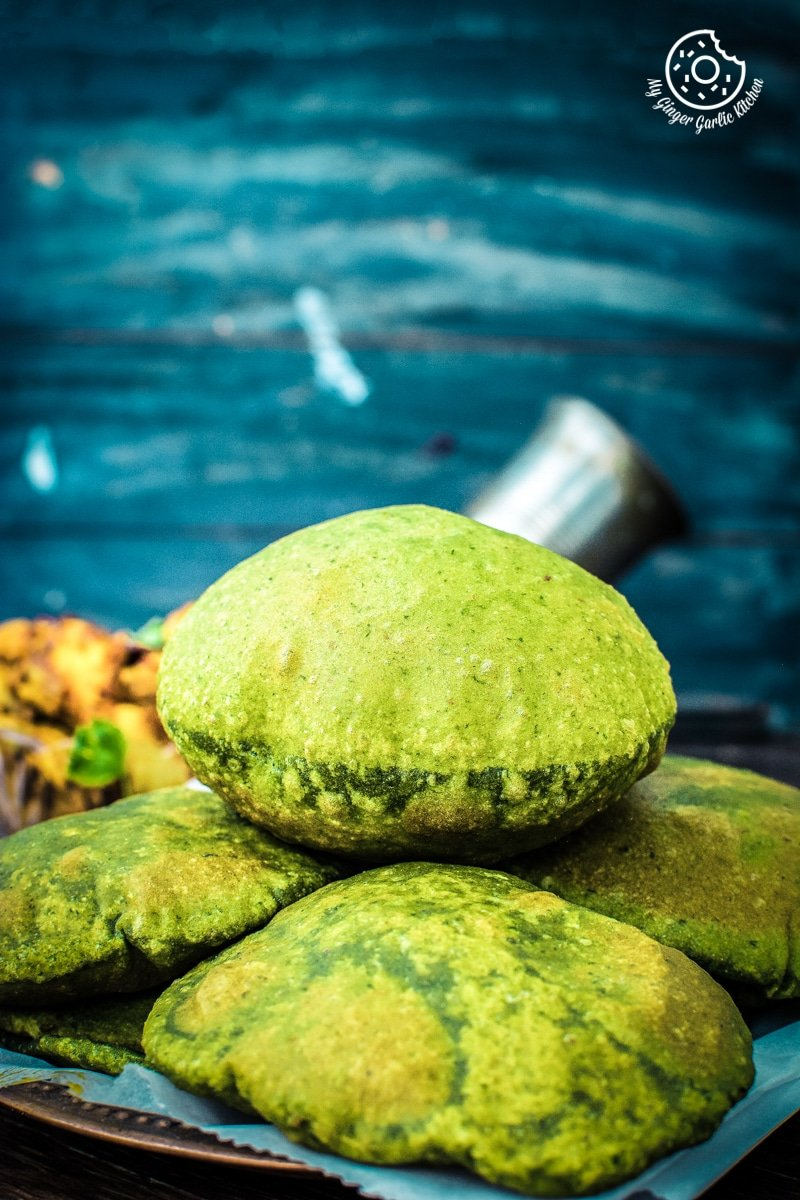Image of Palak Puri - Spinach Puri (Step-by-step video)