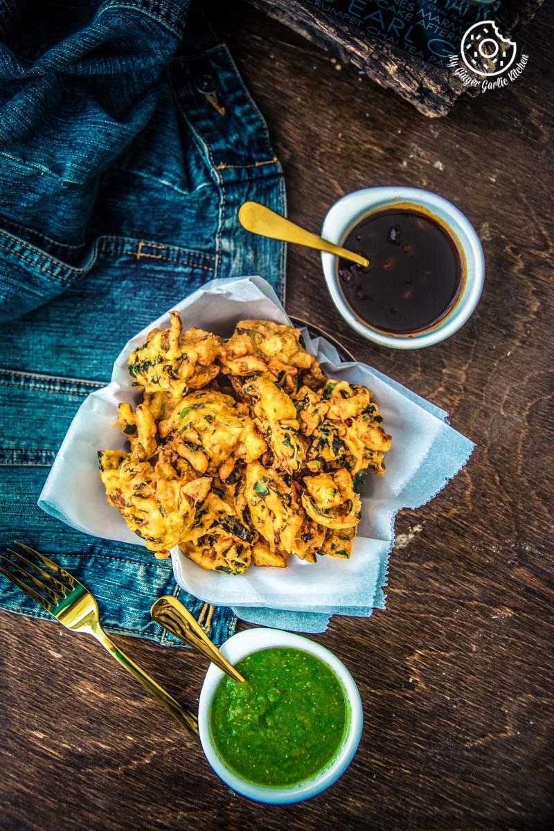Crispy Aloo Palak Pakora Recipe | Spinach Potato Fritters Recipe | mygingergarlickitchen.com/ @anupama_dreams