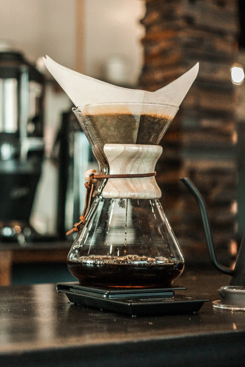 Thermal Carafe vs Glass Carafe: Which Coffee Maker is Better for you | mygingergarlickitchen.com/ @anupama_dreams