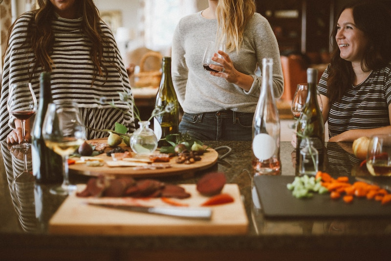 4-tips-to-take-the-effort-out-of-catering-your-own-party-2.jpg