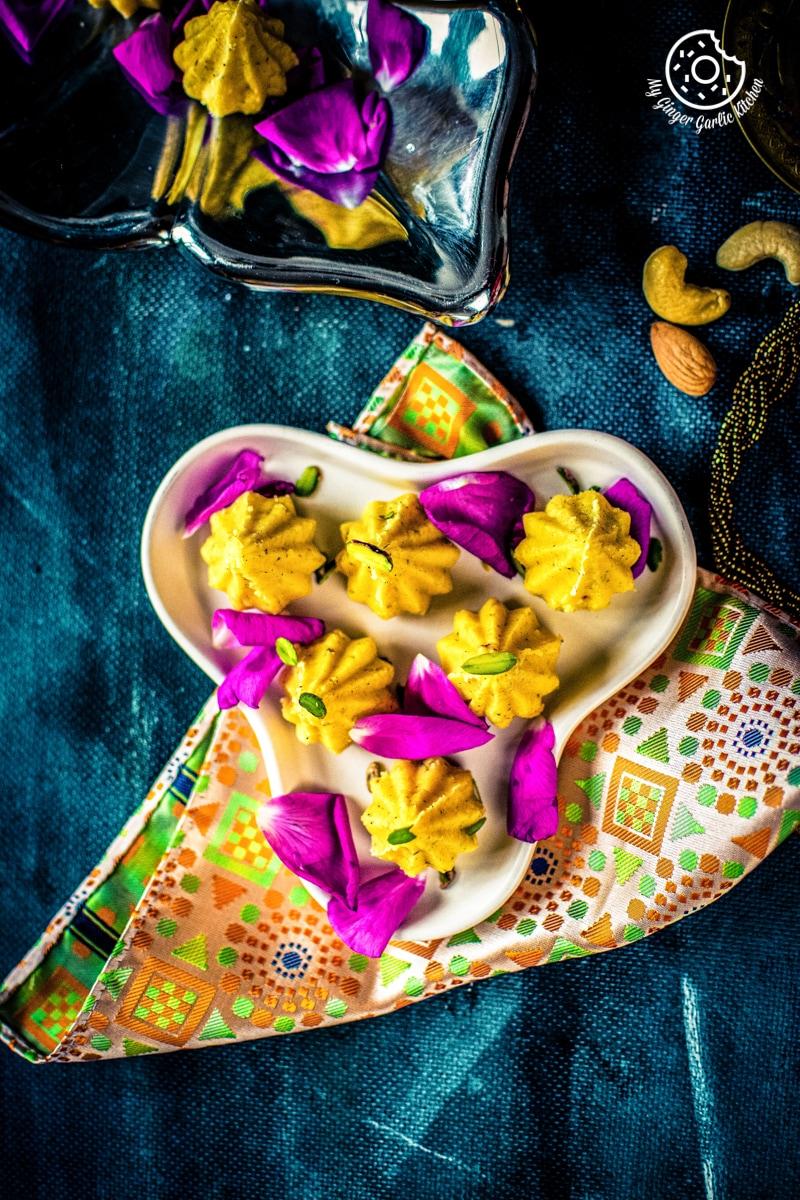 mawa-modak-recipe-my-ginger-garlic-kitchen-5.jpg