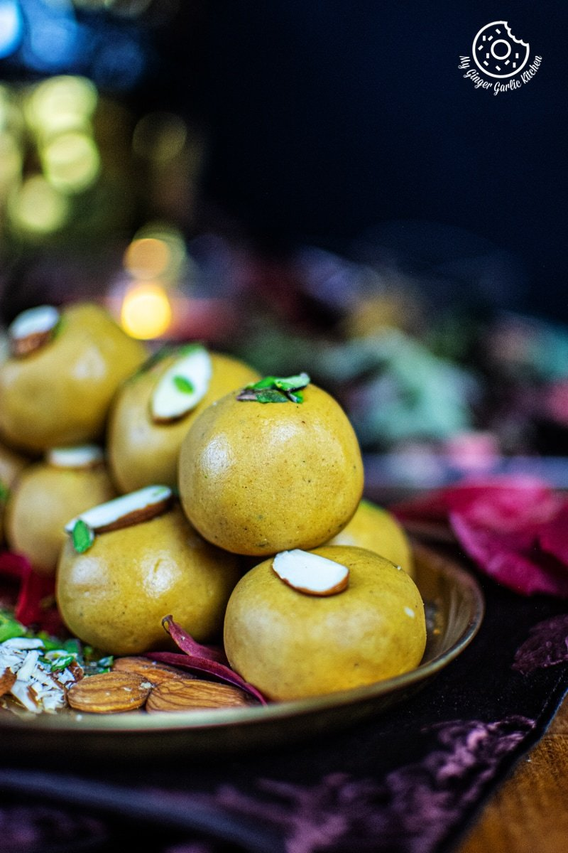 besan-ke-ladoo-recipe-my-ginger-garlic-kitchen-3.jpg