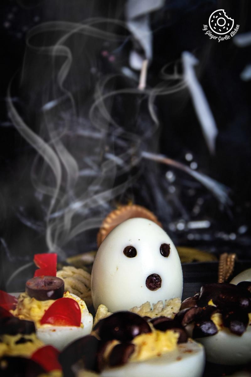 halloween-deviled-eggs-6.jpg