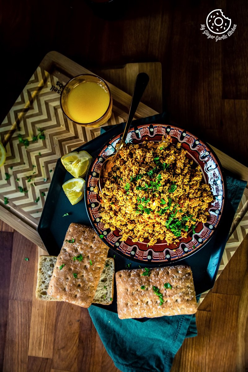 overhead shot of egg bhurji and bread slices