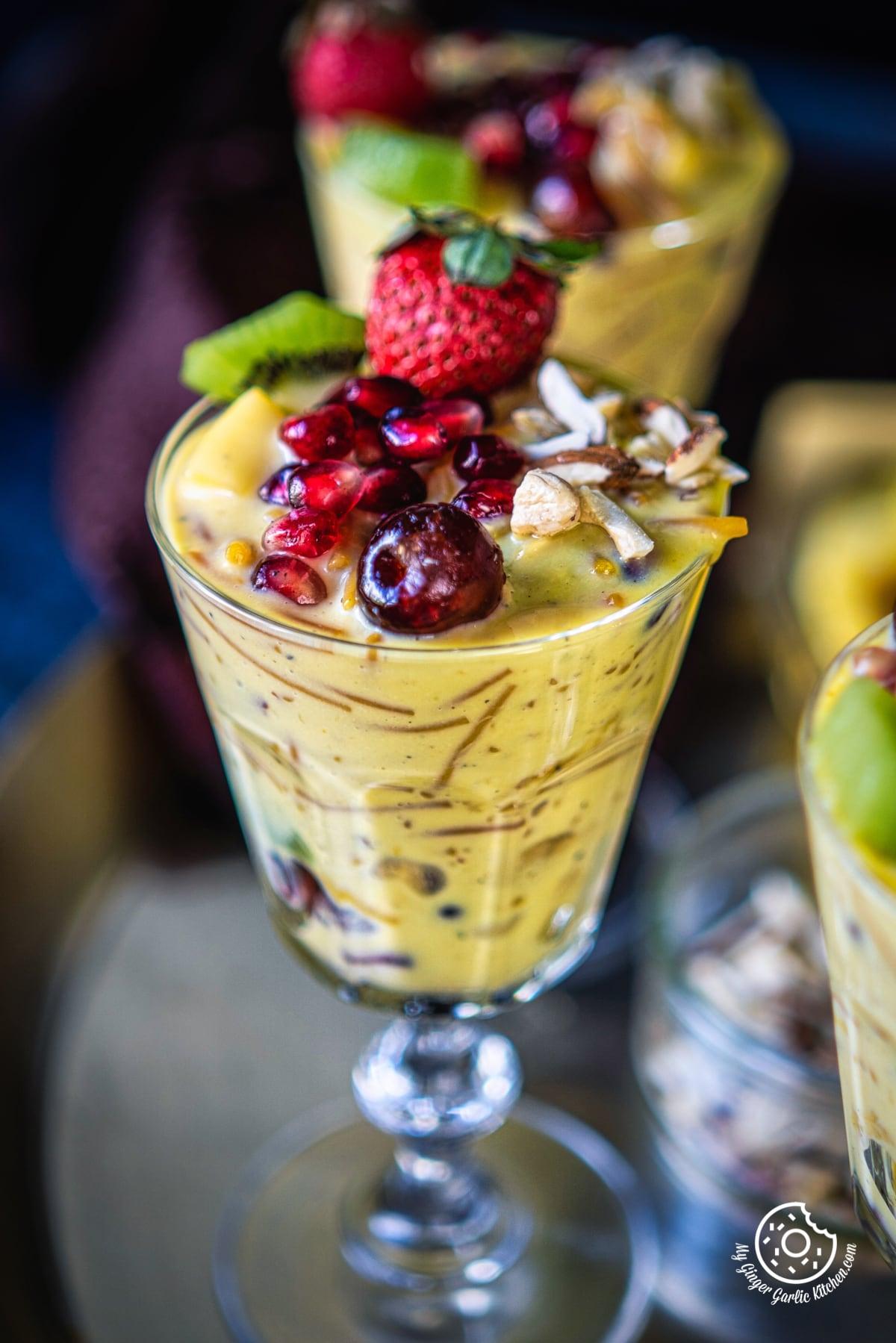 closeup shot of vermicelli fruit custard glass